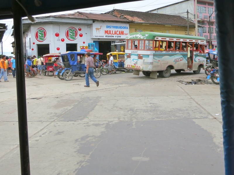 bus in Iquitos
